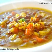 Lentejas con verduras y arroz