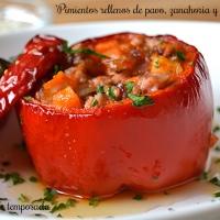 Pimientos rellenos de pavo, zanahoria y ajos tiernos