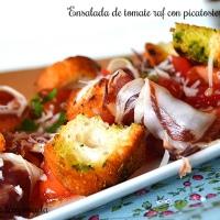 Ensalada de tomate raf con picatostes especiados